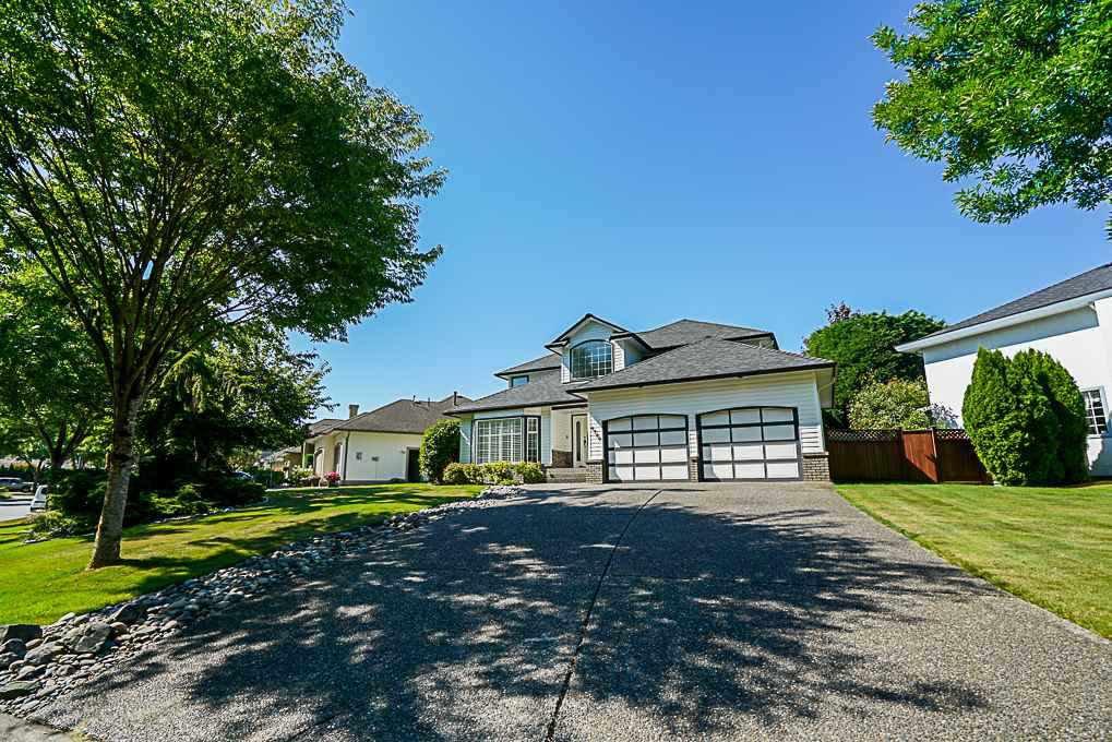 "Main Photo: 8589 166 Street in Surrey: Fleetwood Tynehead House for sale in ""Tynehead Terrace"" : MLS®# R2332483"