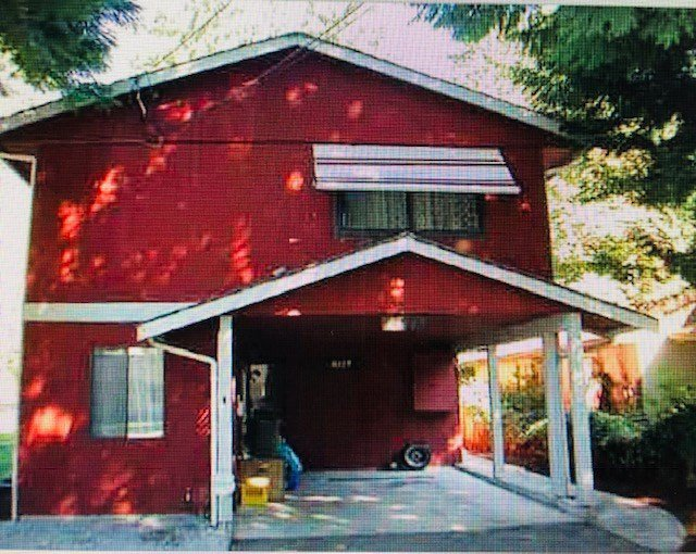 Main Photo: 3029 GLEN Drive in Coquitlam: North Coquitlam House for sale : MLS®# R2337436
