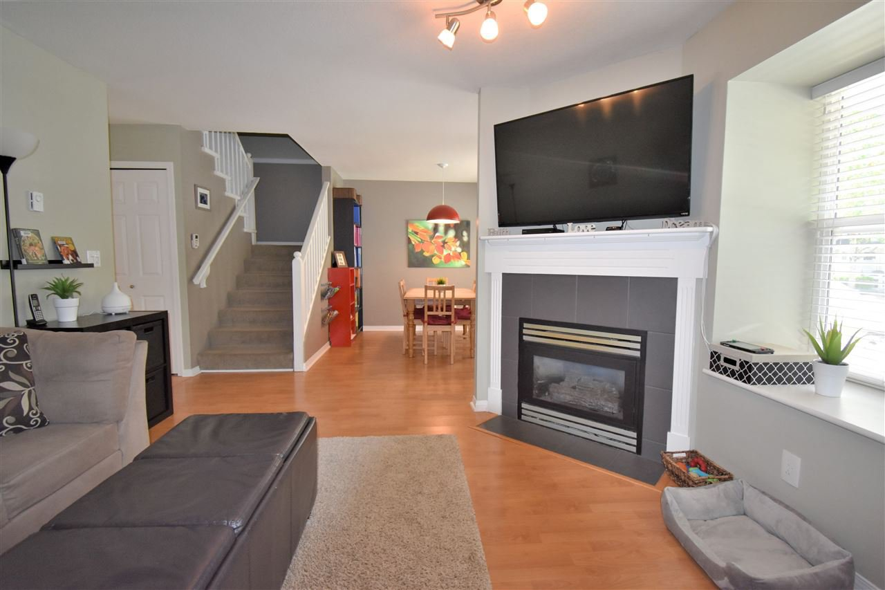 """Photo 4: Photos: 39 23575 119 Avenue in Maple Ridge: Cottonwood MR Townhouse for sale in """"Holly Hock"""" : MLS®# R2370536"""