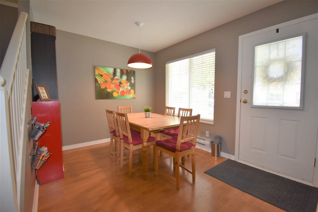 """Photo 5: Photos: 39 23575 119 Avenue in Maple Ridge: Cottonwood MR Townhouse for sale in """"Holly Hock"""" : MLS®# R2370536"""