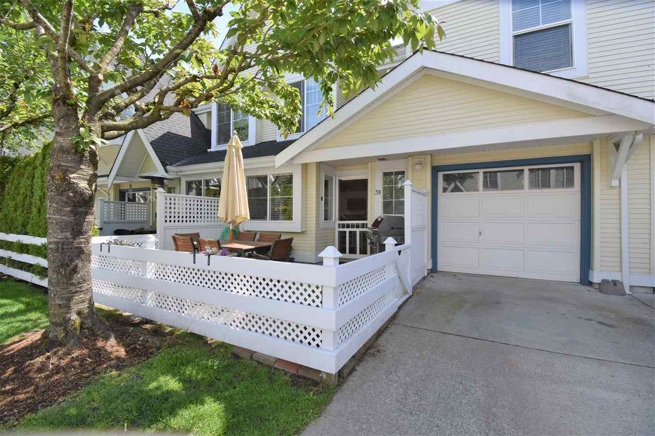 """Photo 2: Photos: 39 23575 119 Avenue in Maple Ridge: Cottonwood MR Townhouse for sale in """"Holly Hock"""" : MLS®# R2370536"""