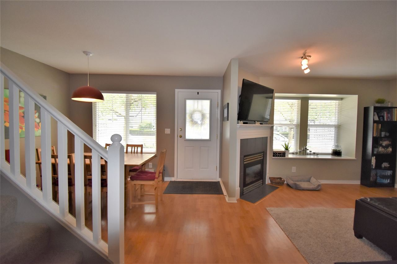 """Photo 6: Photos: 39 23575 119 Avenue in Maple Ridge: Cottonwood MR Townhouse for sale in """"Holly Hock"""" : MLS®# R2370536"""