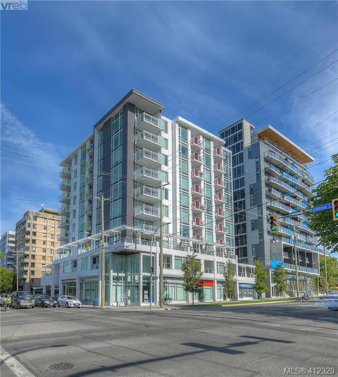 Main Photo: 204 1090 Johnson St in VICTORIA: Vi Downtown Condo Apartment for sale (Victoria)  : MLS®# 817629