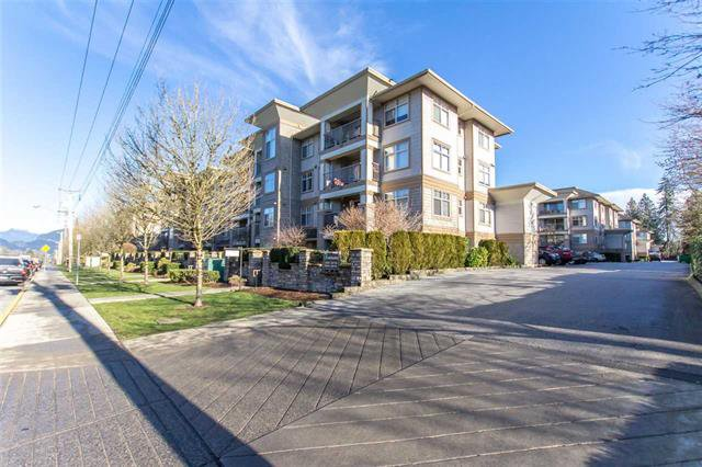 Main Photo: 114 12238 224 Street in Maple Ridge: Condo for sale : MLS®# R2332288