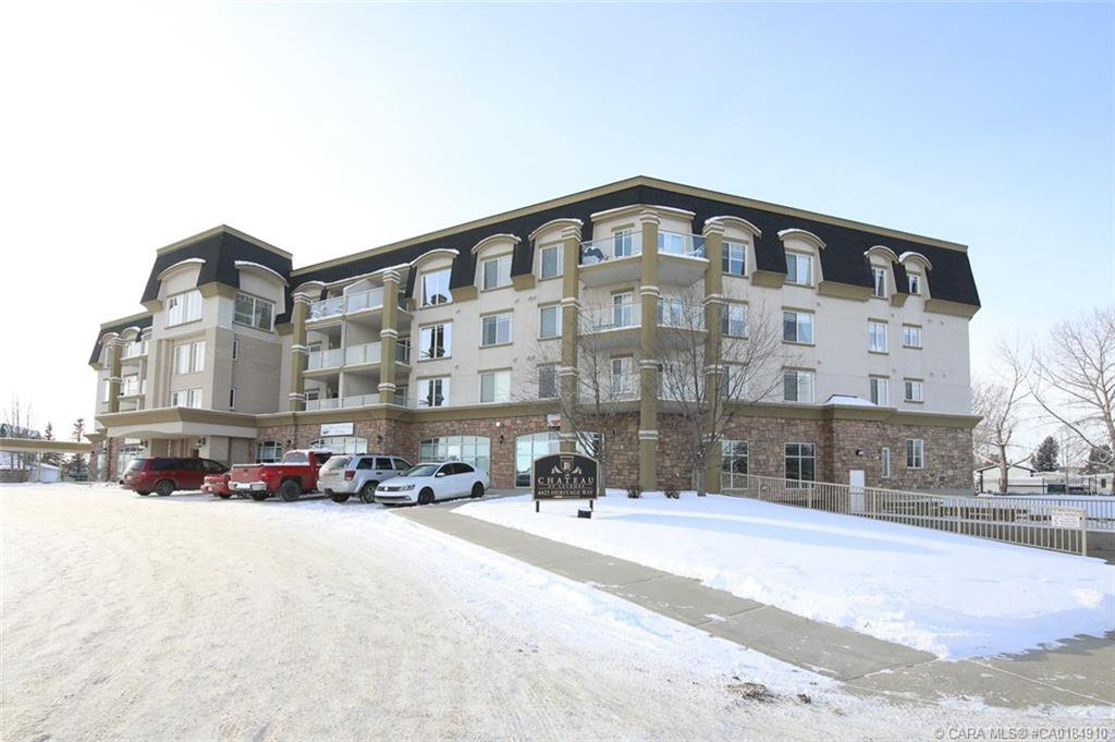 Main Photo: 406 4425 Heritage Way in Lacombe: LE Heritage Park Residential Condo for sale : MLS®# CA0184910