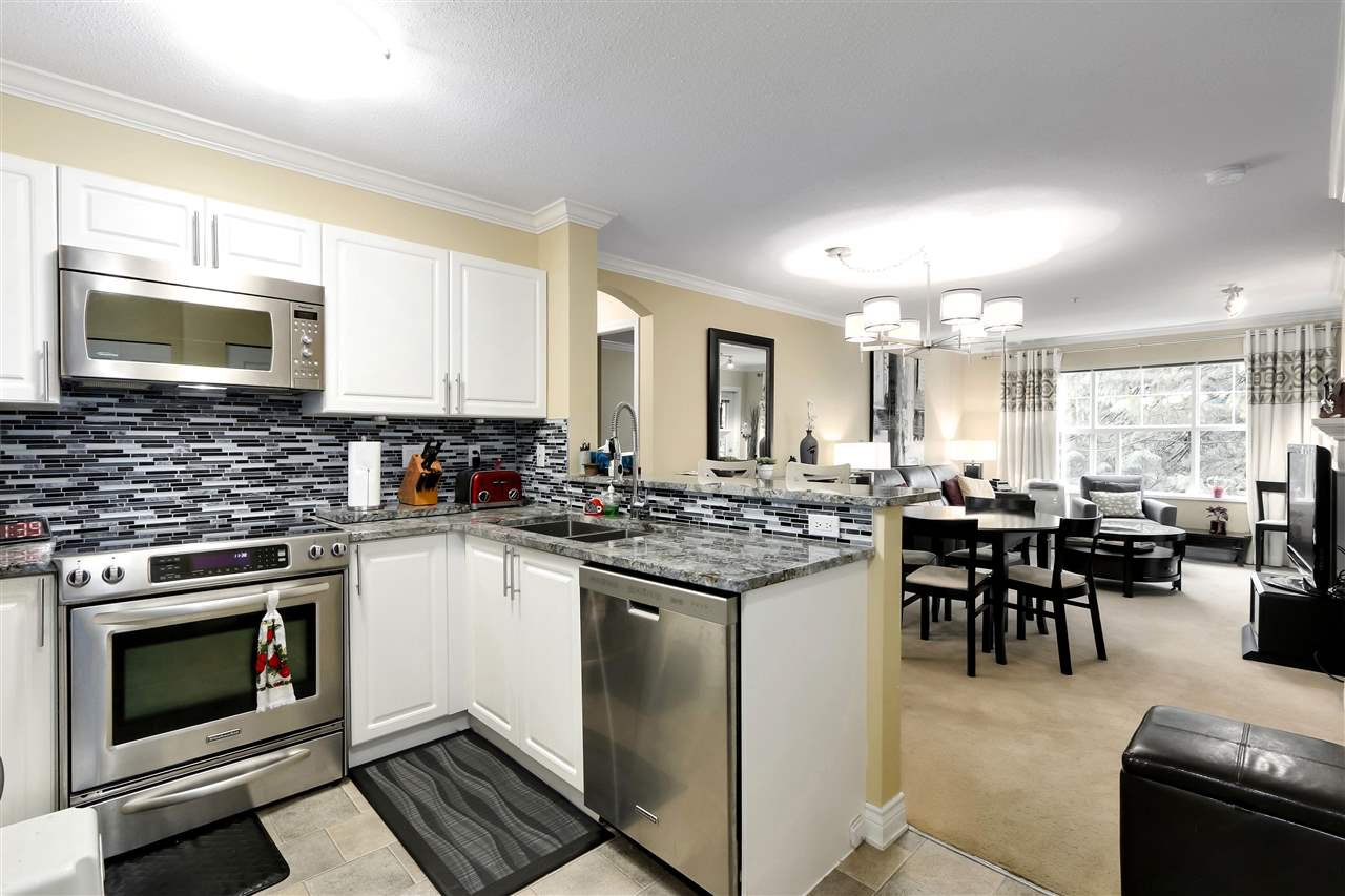 "Main Photo: 311 960 LYNN VALLEY Road in North Vancouver: Lynn Valley Condo for sale in ""BALMORAL HOUSE"" : MLS®# R2432064"
