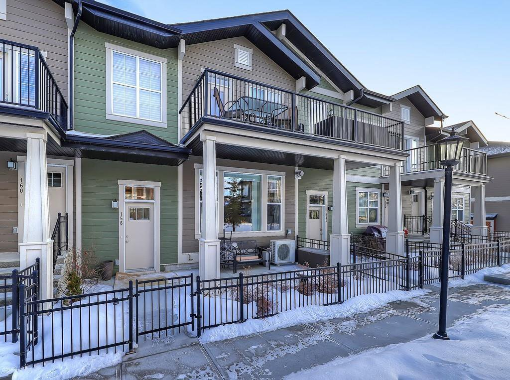 Main Photo: 158 CRANFORD Walk SE in Calgary: Cranston Row/Townhouse for sale : MLS®# C4287179