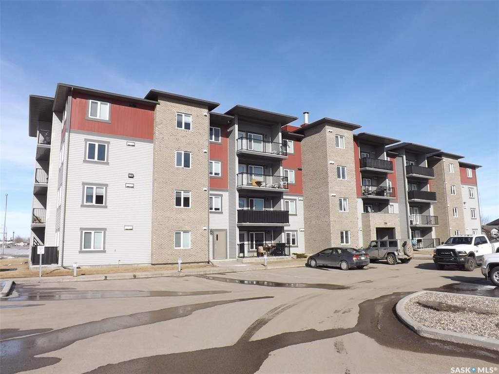 Main Photo: 408 304 Petterson Drive in Estevan: Residential for sale : MLS®# SK800264
