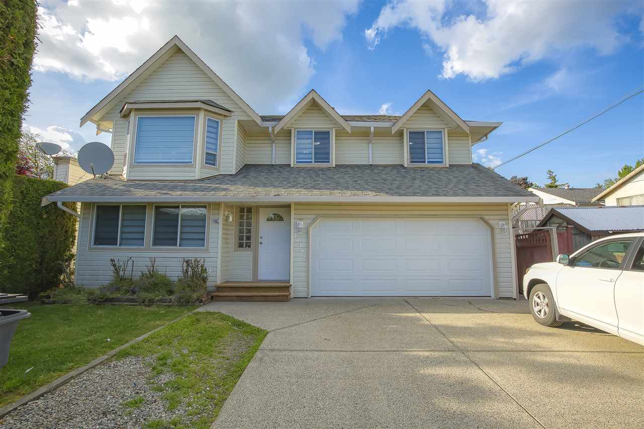 Main Photo: 19487 60 Avenue in Surrey: Cloverdale BC House for sale (Cloverdale)  : MLS®# R2456146