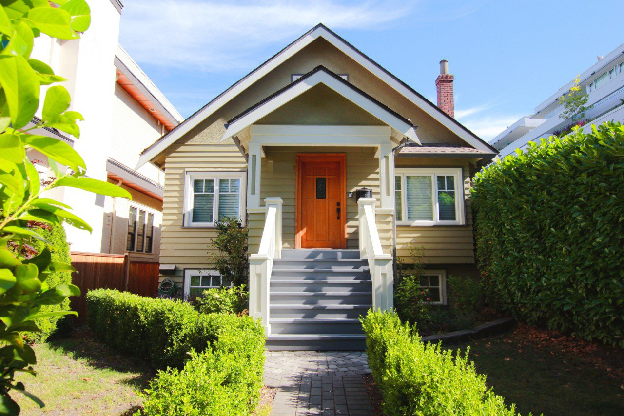 Main Photo:  in Vancouver: Dunbar House for rent (Vancouver West)  : MLS®# AR75A