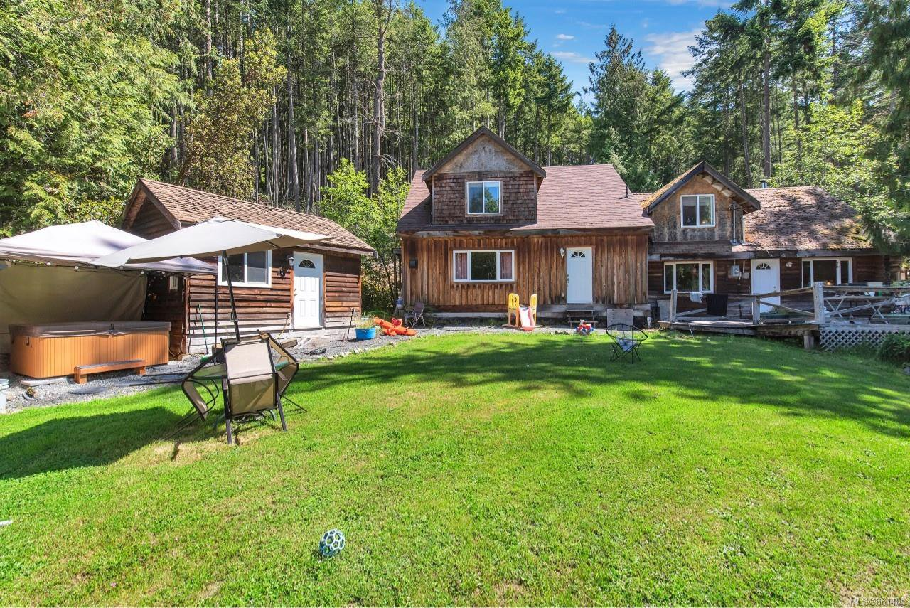 Main Photo: 687-689 Shawnigan Lake Rd in : ML Shawnigan House for sale (Malahat & Area)  : MLS®# 861405