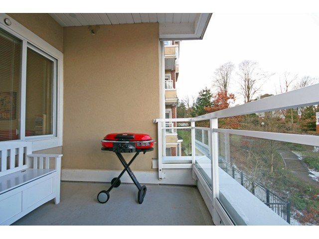 "Photo 8: Photos: 305 5262 OAKMOUNT Crescent in Burnaby: Oaklands Condo for sale in ""ST. ANDREWS"" (Burnaby South)  : MLS®# V882257"