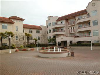 Main Photo: 211 1083 Tillicum Road in VICTORIA: Es Kinsmen Park Condo Apartment for sale (Esquimalt)  : MLS®# 294370