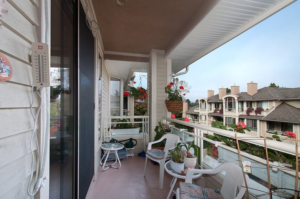 "Photo 7: Photos: # 311 3755 W 8TH AV in Vancouver: Point Grey Condo for sale in ""THE CUMBERLAND"" (Vancouver West)  : MLS®# V1040579"