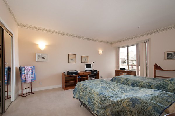 "Photo 19: Photos: # 311 3755 W 8TH AV in Vancouver: Point Grey Condo for sale in ""THE CUMBERLAND"" (Vancouver West)  : MLS®# V1040579"
