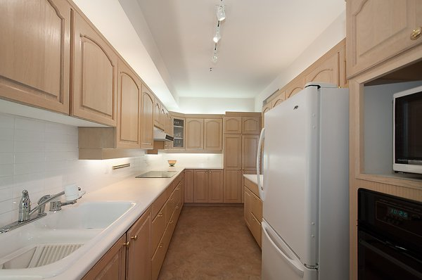 "Photo 14: Photos: # 311 3755 W 8TH AV in Vancouver: Point Grey Condo for sale in ""THE CUMBERLAND"" (Vancouver West)  : MLS®# V1040579"