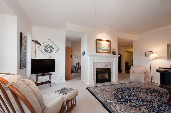 "Photo 5: Photos: # 311 3755 W 8TH AV in Vancouver: Point Grey Condo for sale in ""THE CUMBERLAND"" (Vancouver West)  : MLS®# V1040579"
