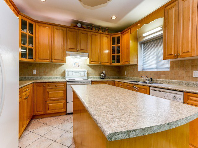 Photo 8: Photos: 15767 87A Avenue in Surrey: Fleetwood Tynehead House for sale : MLS®# F1406282