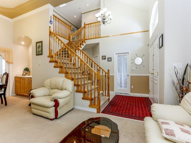 Photo 2: Photos: 15767 87A Avenue in Surrey: Fleetwood Tynehead House for sale : MLS®# F1406282