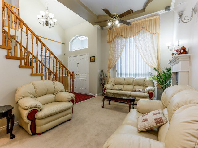 Photo 3: Photos: 15767 87A Avenue in Surrey: Fleetwood Tynehead House for sale : MLS®# F1406282