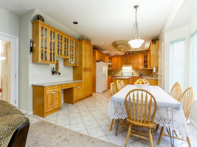 Photo 10: Photos: 15767 87A Avenue in Surrey: Fleetwood Tynehead House for sale : MLS®# F1406282