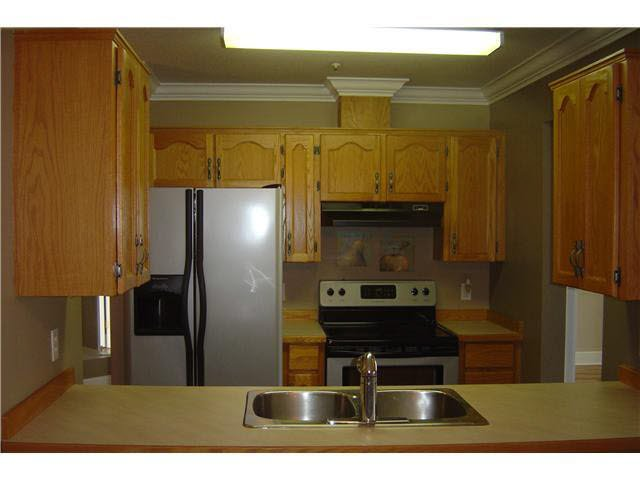 """Photo 4: Photos: 301 11595 FRASER Street in Maple Ridge: East Central Condo for sale in """"BRICKWOOD PLACE"""" : MLS®# V1072389"""
