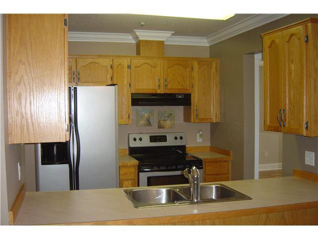 """Photo 3: Photos: 301 11595 FRASER Street in Maple Ridge: East Central Condo for sale in """"BRICKWOOD PLACE"""" : MLS®# V1072389"""