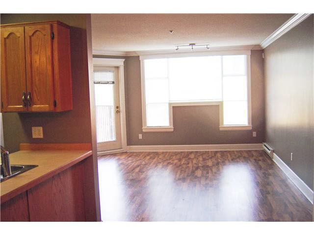 """Photo 6: Photos: 301 11595 FRASER Street in Maple Ridge: East Central Condo for sale in """"BRICKWOOD PLACE"""" : MLS®# V1072389"""