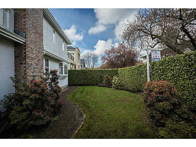 "Photo 3: Photos: 5825 MAPLE Street in Vancouver: Kerrisdale House for sale in ""KERRISDALE"" (Vancouver West)  : MLS®# V1113298"