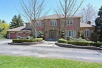Main Photo: 7 Walnut Glen Place in Markham: Devil's Elbow House (2-Storey) for sale : MLS®# N3195427