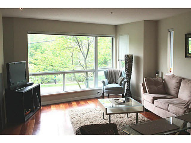 """Photo 9: Photos: 642 W 6TH Avenue in Vancouver: Fairview VW Townhouse for sale in """"BOHEMIA"""" (Vancouver West)  : MLS®# V1124880"""