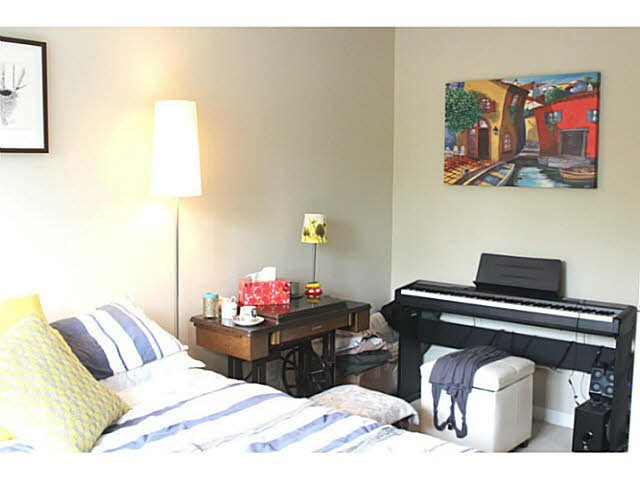 """Photo 4: Photos: 642 W 6TH Avenue in Vancouver: Fairview VW Townhouse for sale in """"BOHEMIA"""" (Vancouver West)  : MLS®# V1124880"""