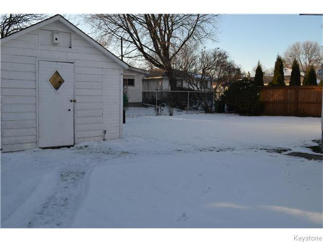 Photo 15: Photos: 63 Tyrone Bay in WINNIPEG: St Vital Residential for sale (South East Winnipeg)  : MLS®# 1531111