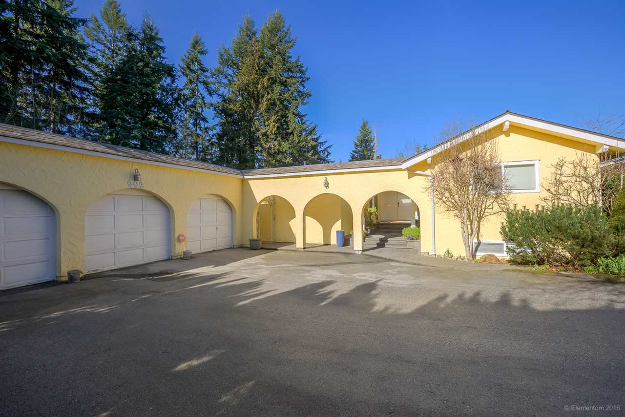 Main Photo: 992 KINSAC Street in Coquitlam: Coquitlam West House for sale : MLS®# R2032889