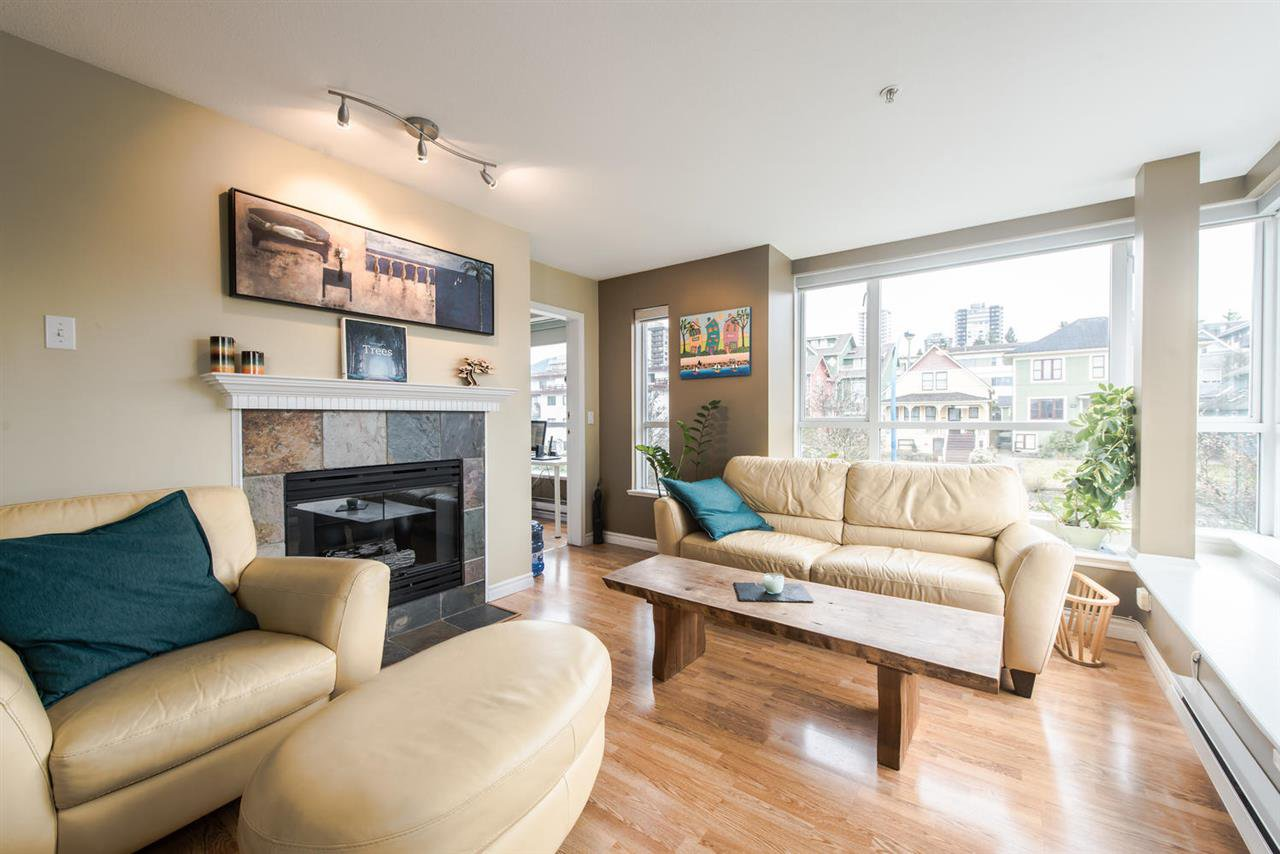 "Main Photo: 312 155 E 3RD Street in North Vancouver: Lower Lonsdale Condo for sale in ""The Solano"" : MLS®# R2040502"