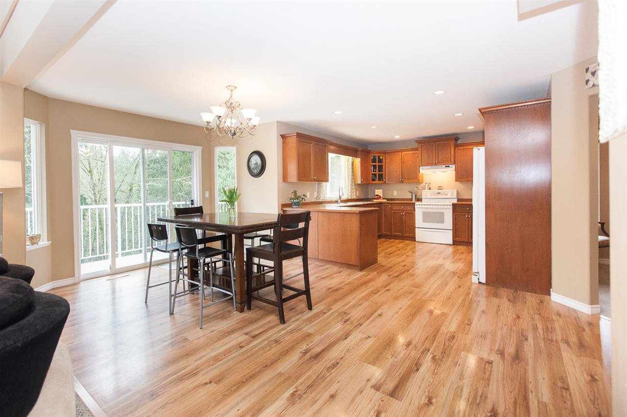 """Photo 6: Photos: 23724 114A Avenue in Maple Ridge: Cottonwood MR House for sale in """"GILKER HILL ESTATES"""" : MLS®# R2049062"""