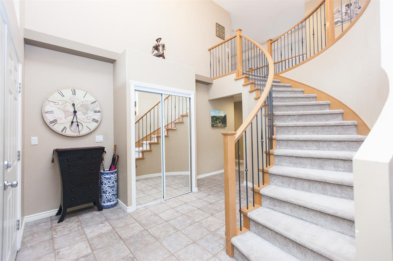 """Photo 2: Photos: 23724 114A Avenue in Maple Ridge: Cottonwood MR House for sale in """"GILKER HILL ESTATES"""" : MLS®# R2049062"""