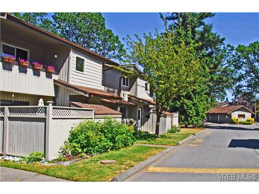 Main Photo: 2 2771 Spencer Rd in VICTORIA: La Langford Proper Row/Townhouse for sale (Langford)  : MLS®# 731372