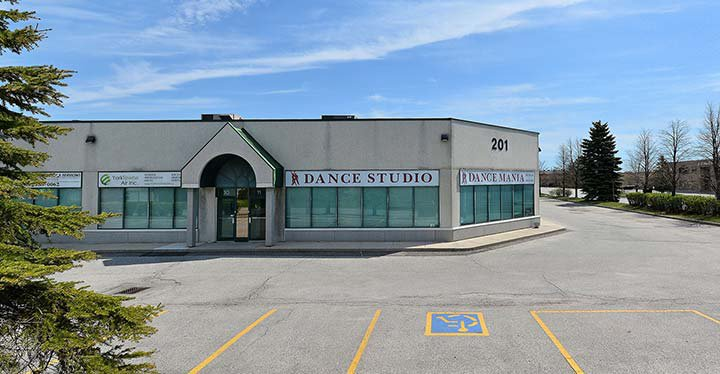 Main Photo: 11 201 Spinnaker Way in Vaughan: Concord Commercial for sale : MLS®# N3532642