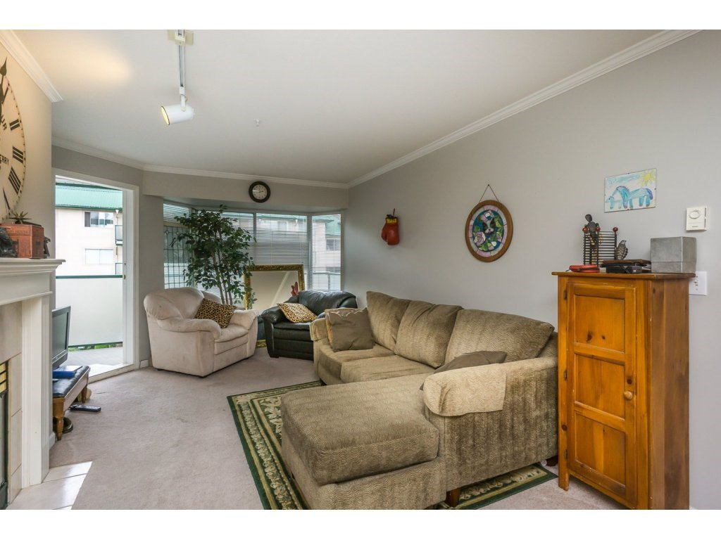 "Photo 5: Photos: 305 2960 TRETHEWEY Street in Abbotsford: Abbotsford West Condo for sale in ""Cascade Green"" : MLS®# R2088579"