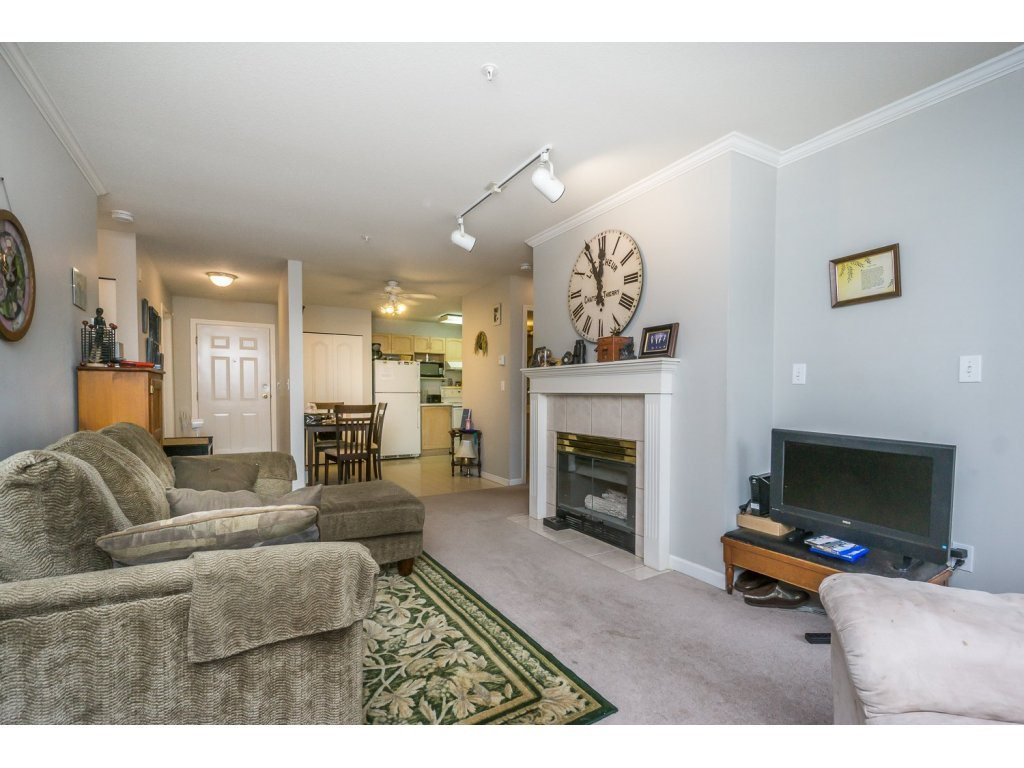 "Photo 6: Photos: 305 2960 TRETHEWEY Street in Abbotsford: Abbotsford West Condo for sale in ""Cascade Green"" : MLS®# R2088579"