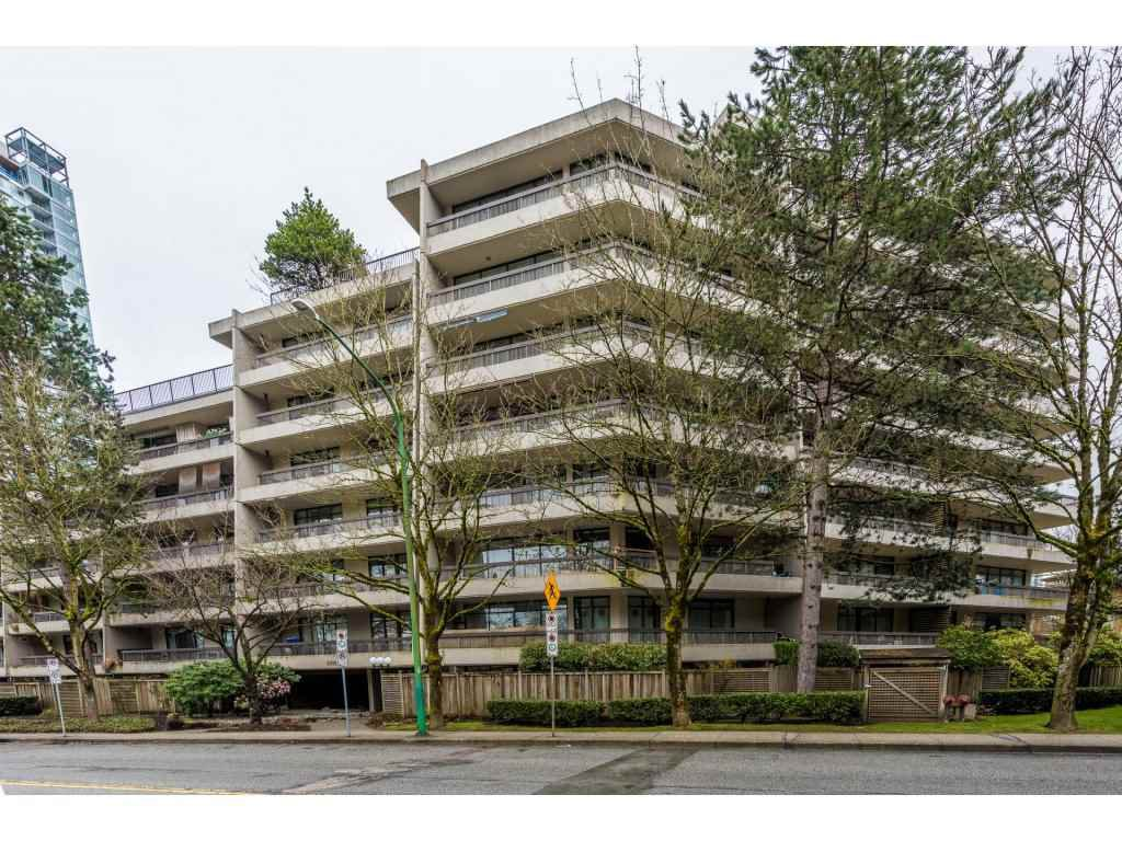 Main Photo: 106 5932 PATTERSON Avenue in Burnaby: Metrotown Condo for sale (Burnaby South)  : MLS®# R2148427
