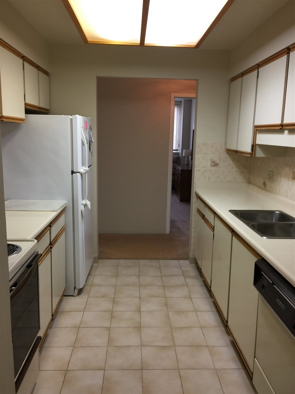 """Photo 8: Photos: 307 3920 HASTINGS Street in Burnaby: Willingdon Heights Condo for sale in """"INGLETON TERRACE"""" (Burnaby North)  : MLS®# R2181109"""