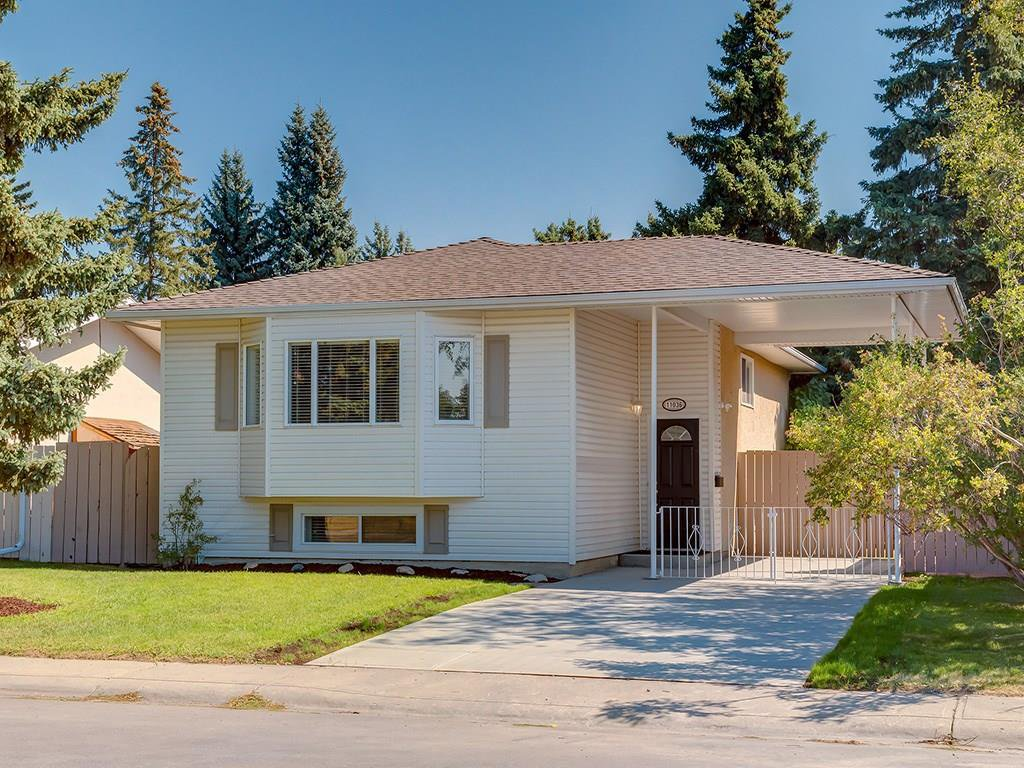Main Photo: 11036 BRATON Place SW in Calgary: Braeside House for sale : MLS®# C4136035