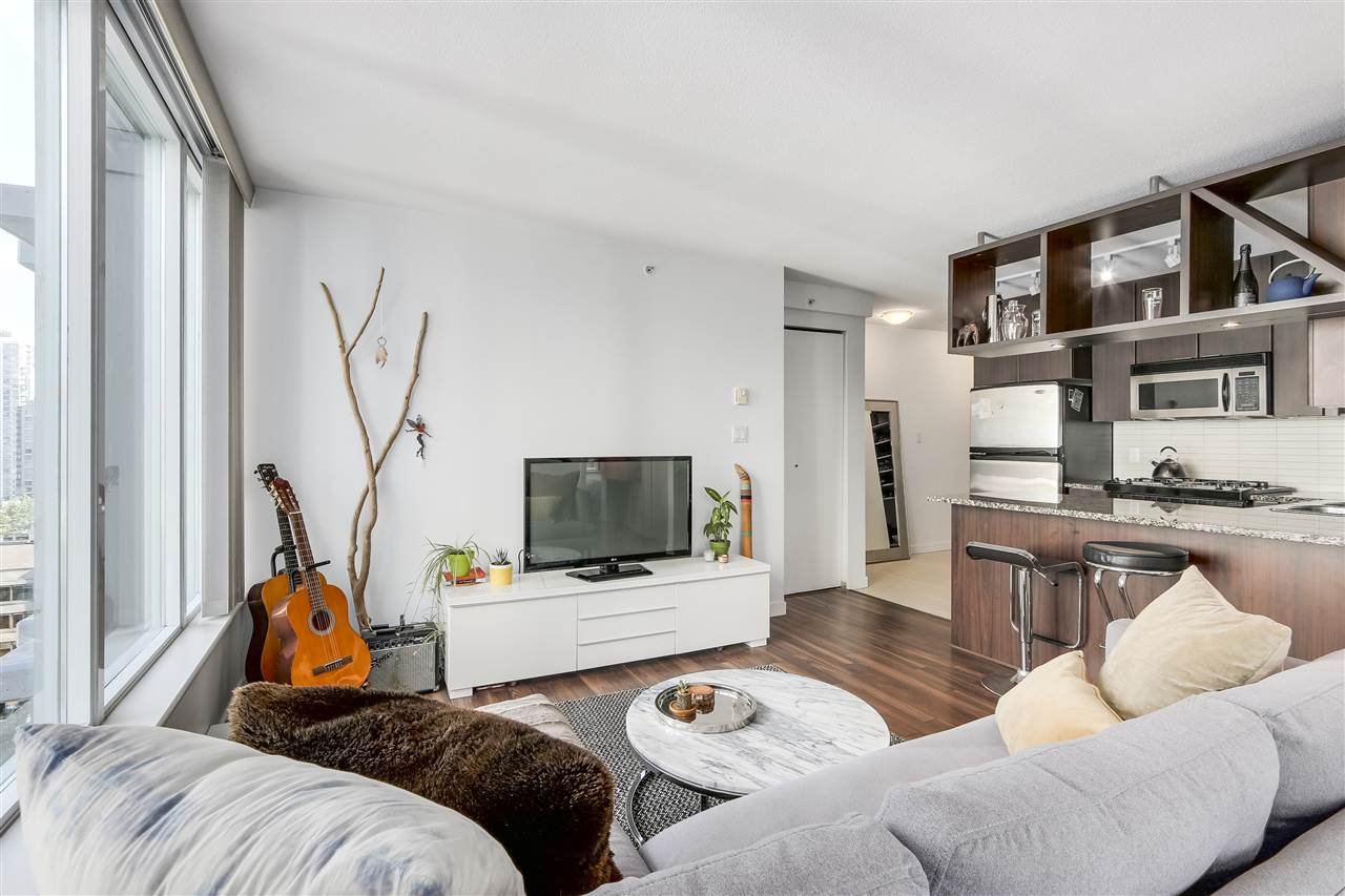 "Photo 4: Photos: 1002 1010 RICHARDS Street in Vancouver: Yaletown Condo for sale in ""THE GALLERY"" (Vancouver West)  : MLS®# R2208640"
