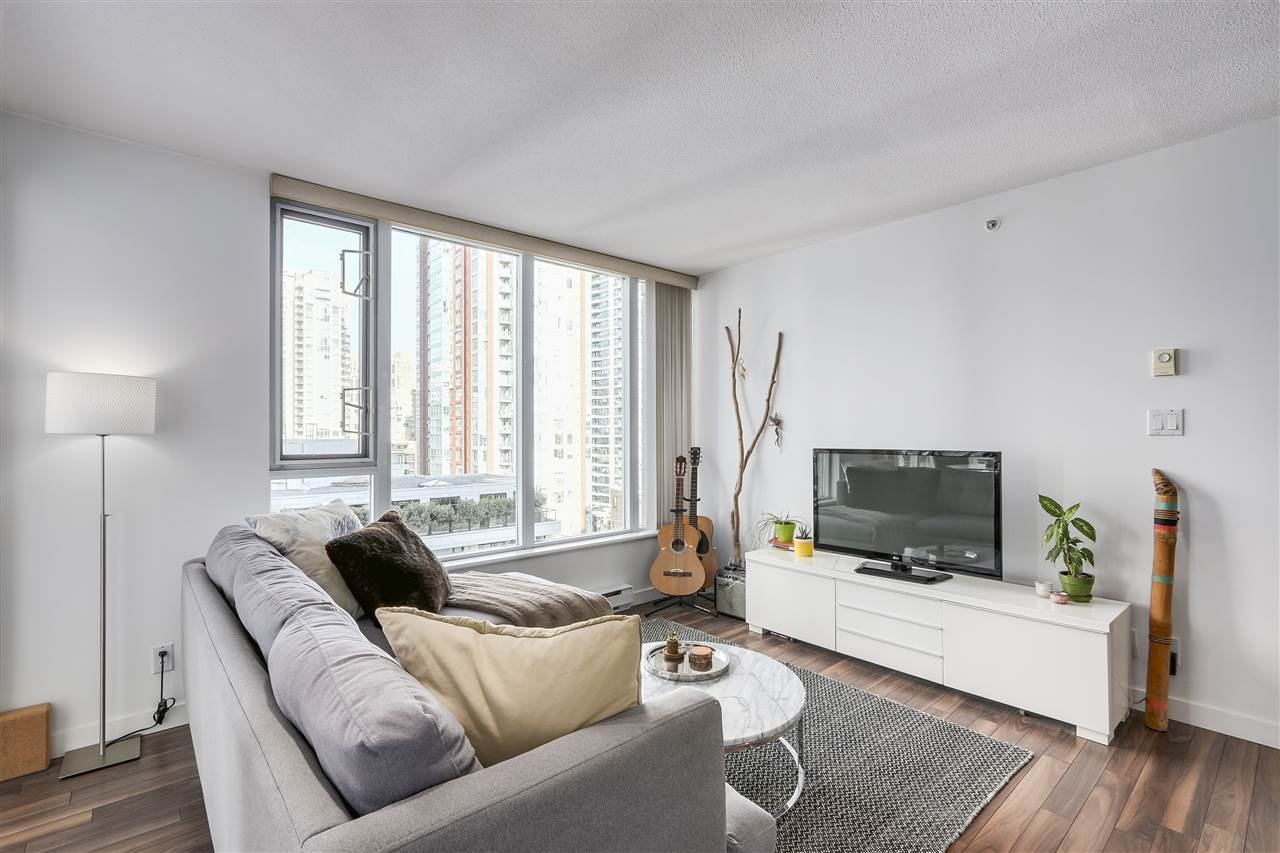 "Photo 2: Photos: 1002 1010 RICHARDS Street in Vancouver: Yaletown Condo for sale in ""THE GALLERY"" (Vancouver West)  : MLS®# R2208640"