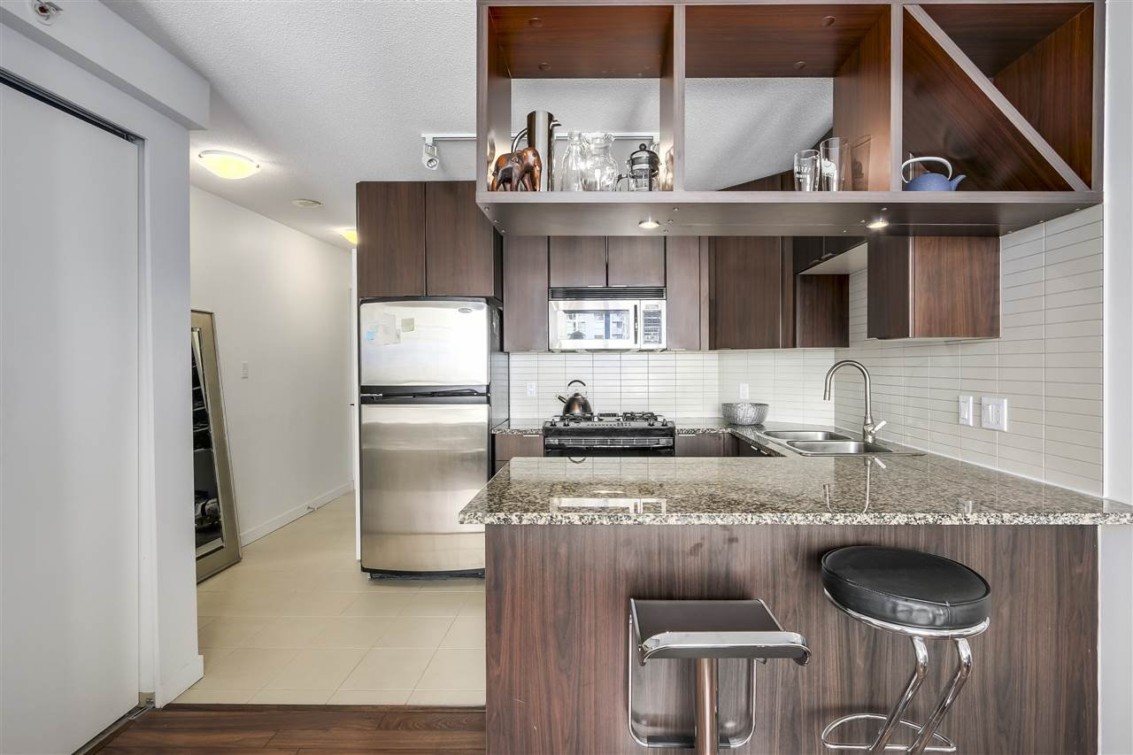 "Photo 8: Photos: 1002 1010 RICHARDS Street in Vancouver: Yaletown Condo for sale in ""THE GALLERY"" (Vancouver West)  : MLS®# R2208640"