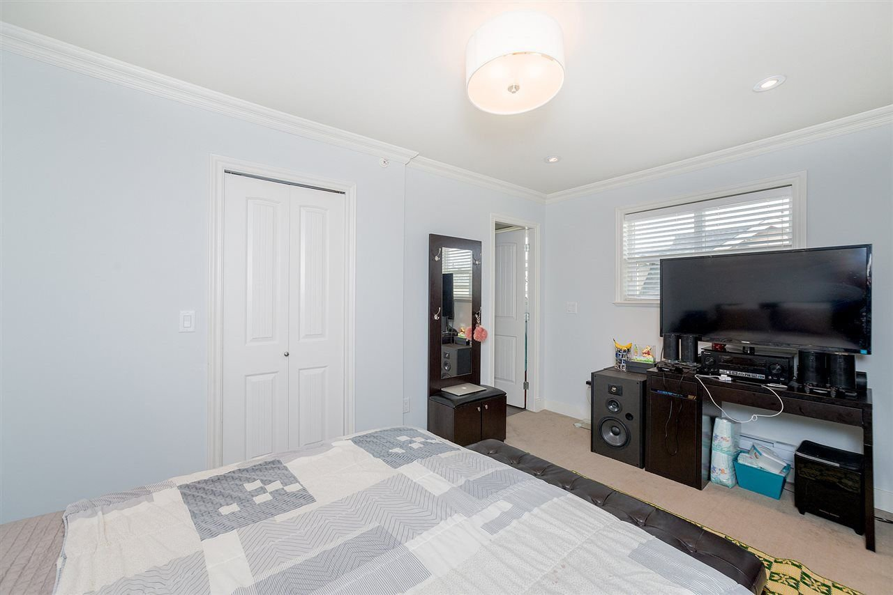 "Photo 15: Photos: 4323 KNIGHT Street in Vancouver: Knight Townhouse for sale in ""Six Homes"" (Vancouver East)  : MLS®# R2250272"