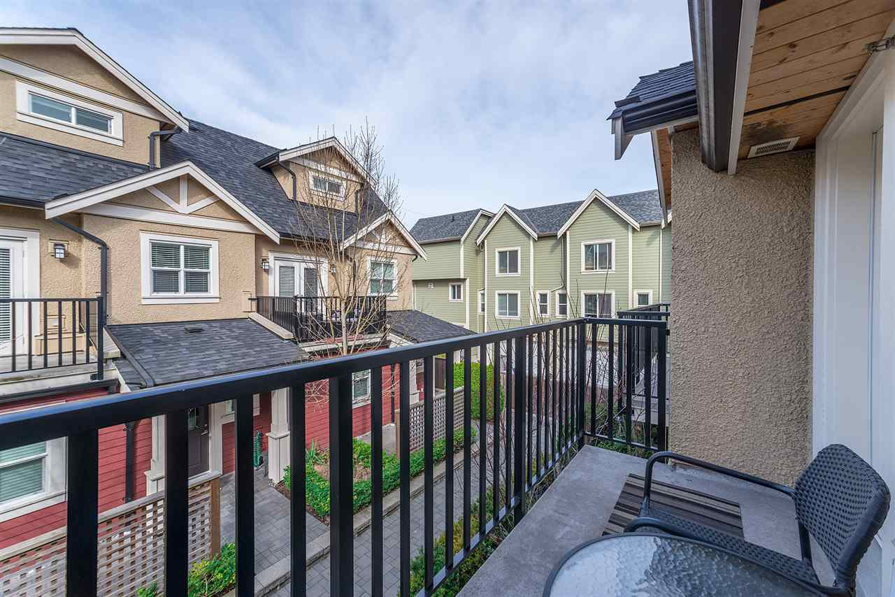 "Photo 11: Photos: 4323 KNIGHT Street in Vancouver: Knight Townhouse for sale in ""Six Homes"" (Vancouver East)  : MLS®# R2250272"