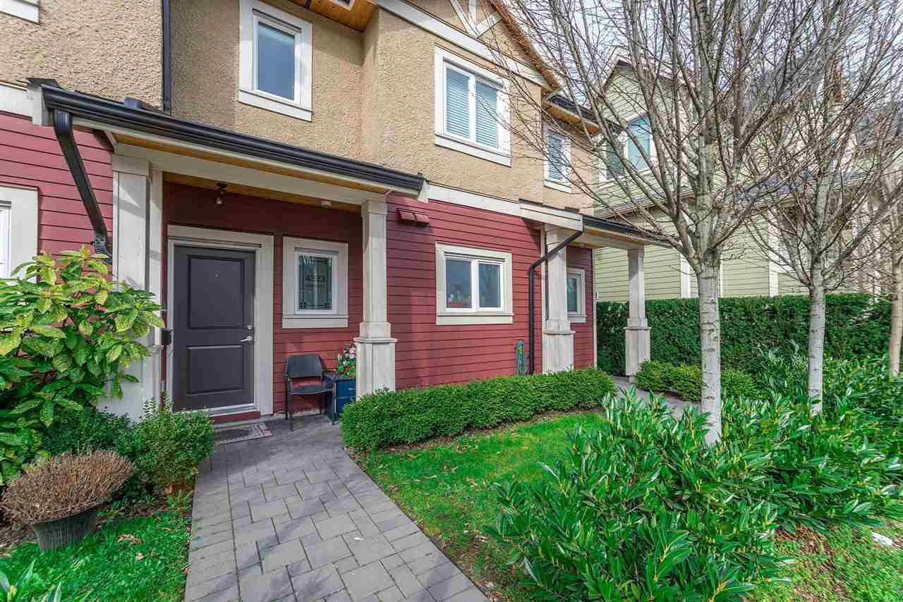 "Photo 2: Photos: 4323 KNIGHT Street in Vancouver: Knight Townhouse for sale in ""Six Homes"" (Vancouver East)  : MLS®# R2250272"
